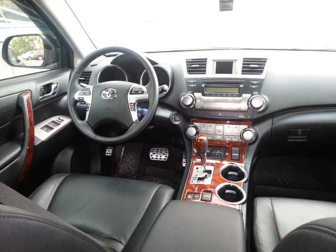 Салон Toyota Highlander 2013